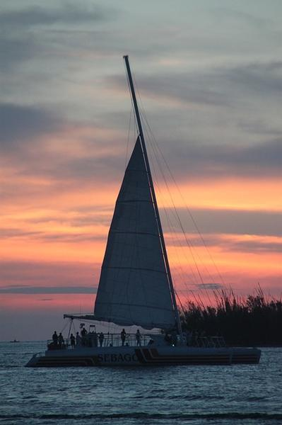 Why You Should Consider A Sailboat Rental On Your Next Florida Keys